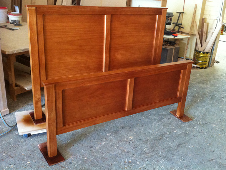 Pine Queen Size Bed