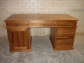 Blackwood Desk