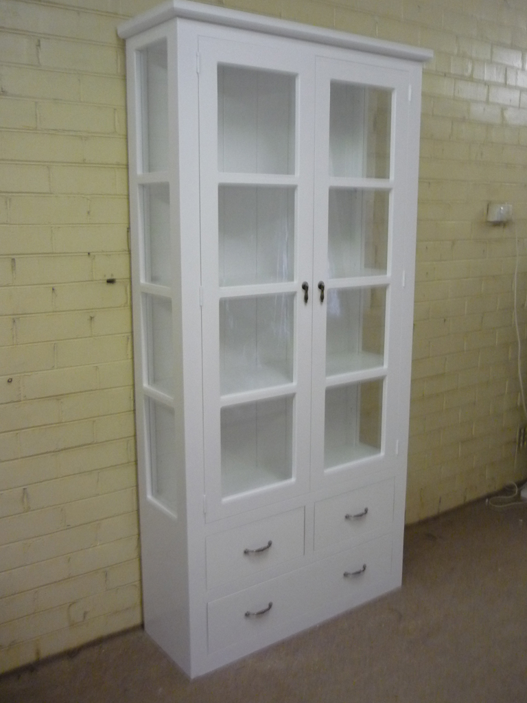Ordinaire White Display Unit